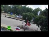 Луганск: Обстрел ОГА из Авиации ВВС! (18+) 02.06.14 (полное видео) Новости Украины сегодня.